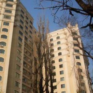 без посредников 3-х комнатную в Алматы продаю